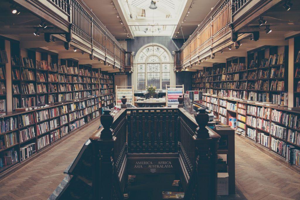 Das perfekte Tinder Date kann auch  in der Bibliothek stattfinden